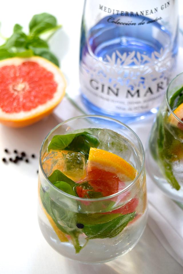 Grapefruit, Basil and Peppercorn Gin Mare & Tonics   www.rachelphipps.com @rachelphipps