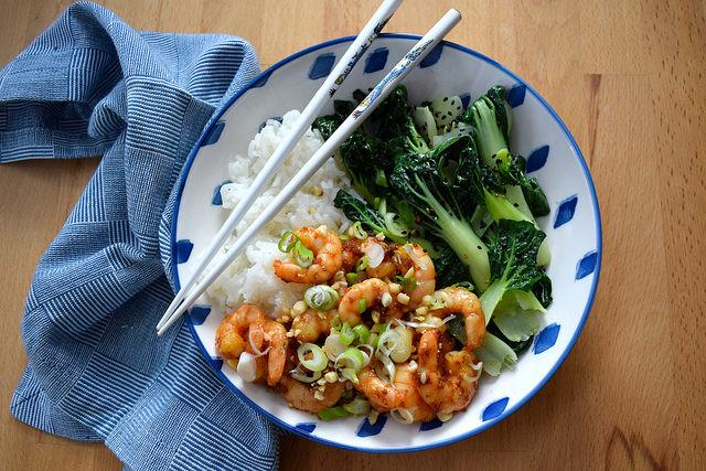 Korean Prawn Rice Bowl w: Sesame Pak Choi | www.rachelphipps.com @rachelphipps