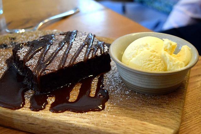 Warm Chocolate Brownie at The Stable, Whitechapel | www.rachelphipps.com @rachelphipps