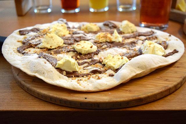 Nutella & Marscapone Pizza at The Stable, Whitechapel | www.rachelphipps.com @rachelphipps