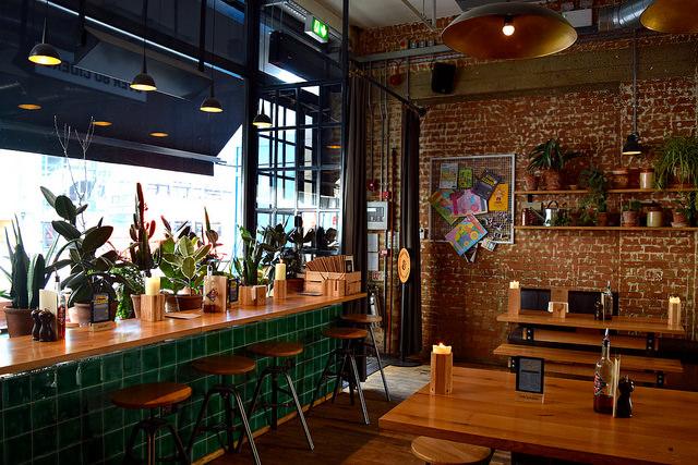 Lunchtime at The Stable, Whitechapel | www.rachelphipps.com @rachelphipps