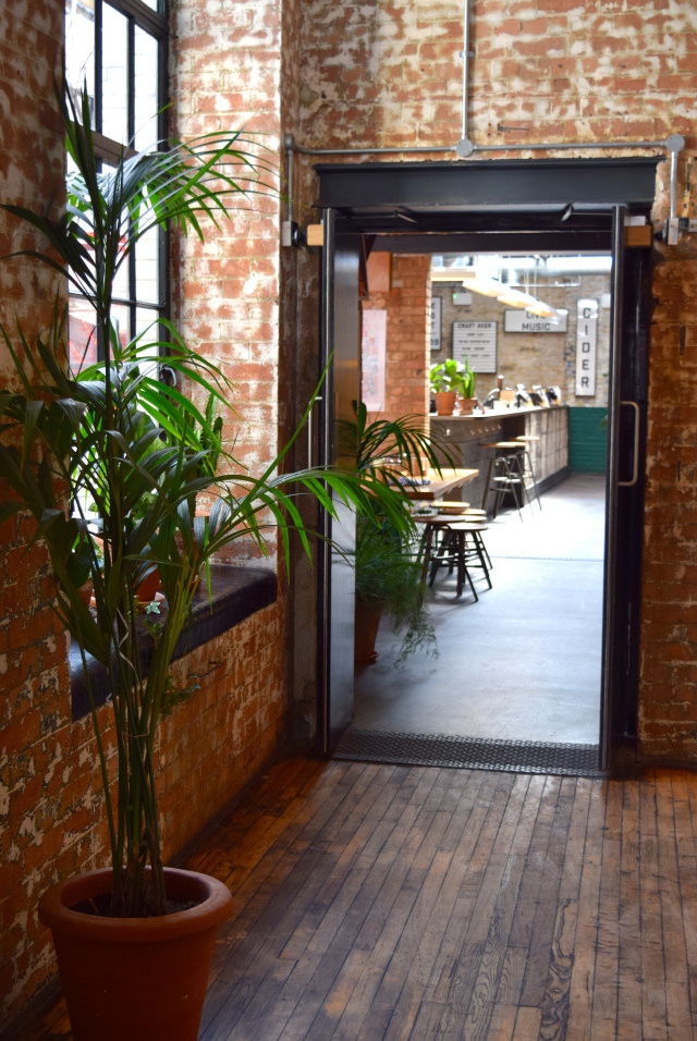 Inside The Stable, Whitechapel | www.rachelphipps.com @rachelphipps