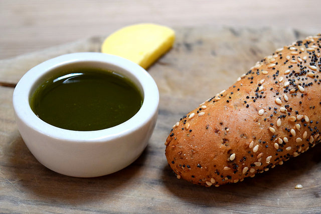 Fresh Bread & Pesto at The Granville, Canterbury | www.rachelphipps.com @rachelphipps