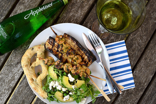 Barbecue Lunch with Appletiser | www.rachelphipps.com @rachelphipps