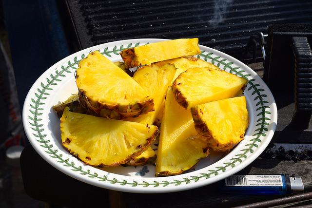 Pineapple Wedges for the Barbecue | www.rachelphipps.com @rachelphipps
