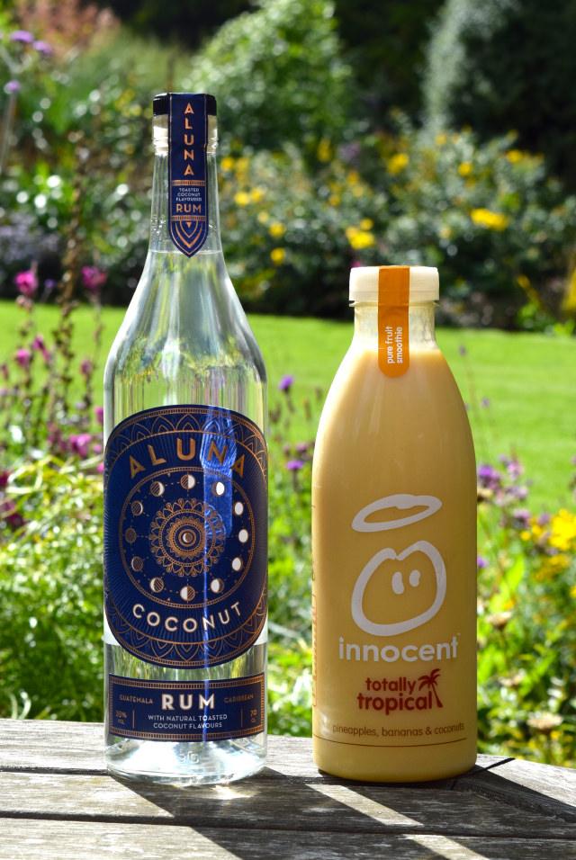 Coconut Rum & Tropical Smoothie   www.rachelphipps.com @rachelphipps