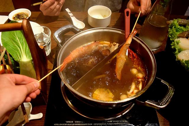Dinner at Hot Pot, Chinatown | www.rachelphipps.com @rachelphipps