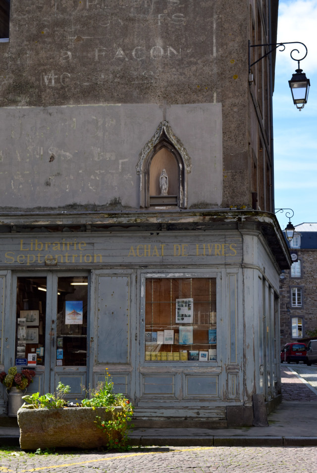 Old Library in St. Malo   www.rachelphipps.com @rachelphipps