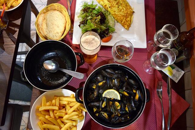 Traditional Breton Lunch at St. Malo   www.rachelphipps.com @rachelphipps