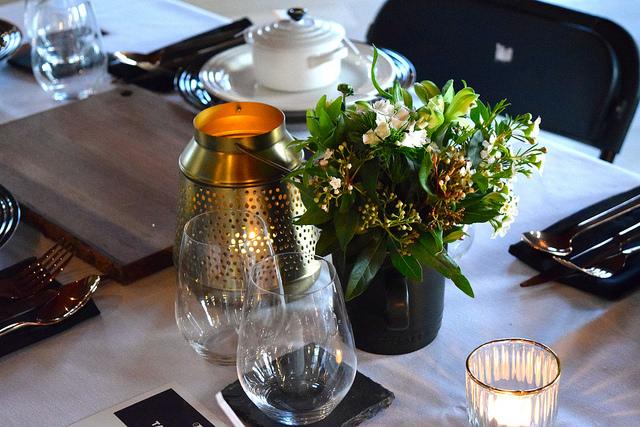 Le Creuset Floral Arrangements   www.rachelphipps.com @rachelphipps