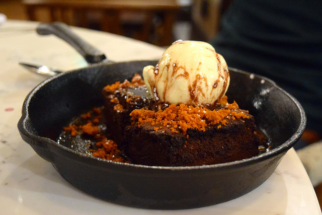 Sharing Chocolate Brownie with Honeycomb at The Pickled Hen, Marylebone   www.rachelphipps.com @rachelphipps
