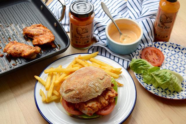 Homemade Cheeky Peri Peri Chicken Burgers #recipe #diy #burger #periperi #chicken #weeknight   www.rachelphipps.com @rachelphipps