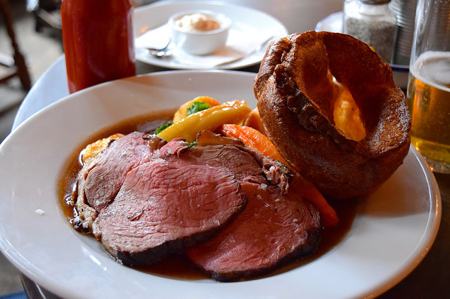 Sunday Roast Beef at The Old Queen's Head, Islington | www.rachelphipps.com @rachelphipps