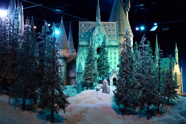 Hogwarts in the Snow at the Harry Potter Studio Tour, London | #harrypotter www.rachelphipps.com @rachelphipps