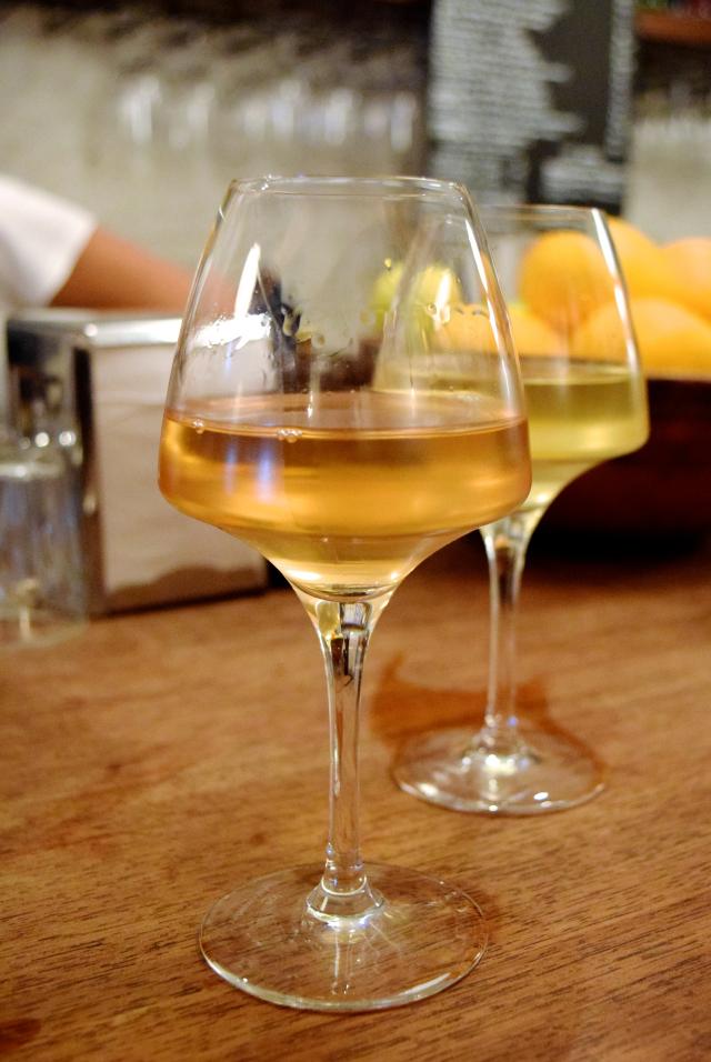 Natural Wines at DUCKSOUP, Soho | www.rachelphipps.com @rachelphipps