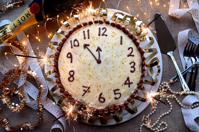 Chocolate, Cherry and Cognac New Years Clock Cake #newyear #newyearseve #cake #baking #party #chocolate #cherry #cognac