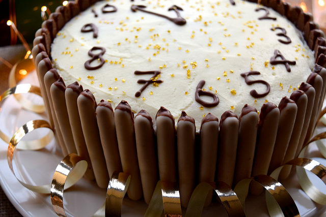 Chocolate, Cherry & Cognac Clock Cake #newyear #newyearseve #cake #baking #party #chocolate #cherry #cognac