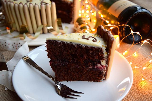 Chocolate, Cherry & Cognac Cake #newyear #newyearseve #cake #baking #party #chocolate #cherry #cognac