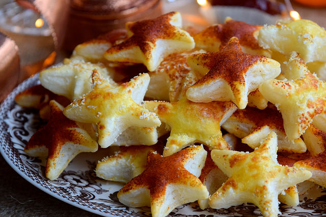 Parmesan & Paprika Cocktail Star Canapes #christmas #newyear #canape