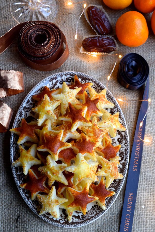 Parmesan & Paprika Cocktail Stars #christmas #newyear #canape