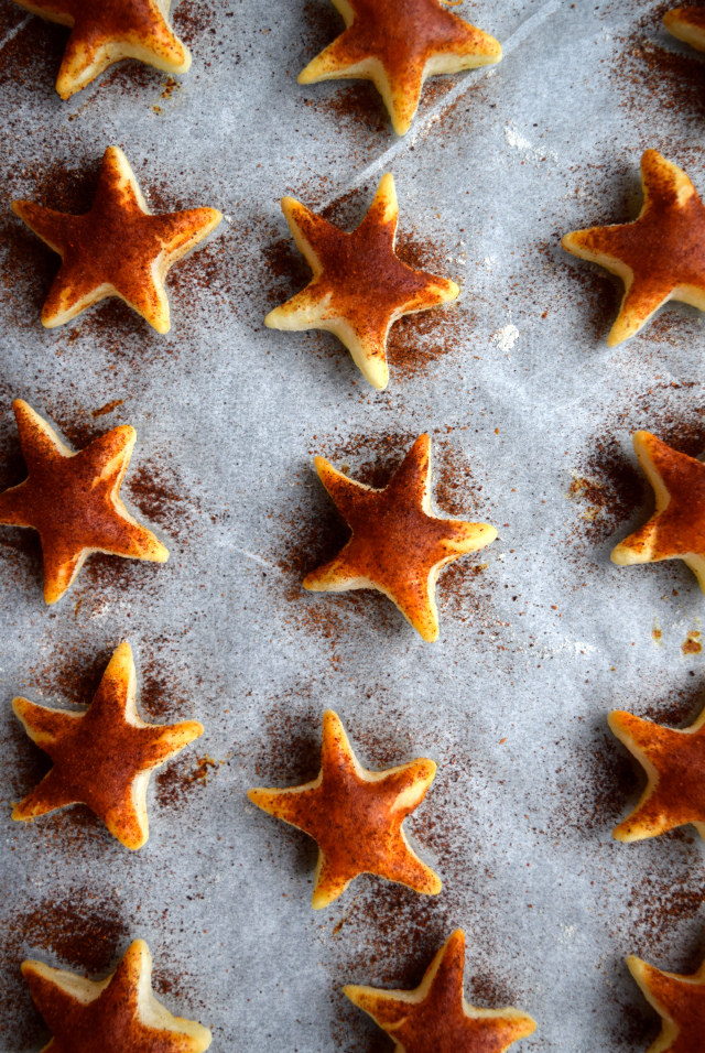 Paprika Cocktail Stars #christmas #newyear #canape