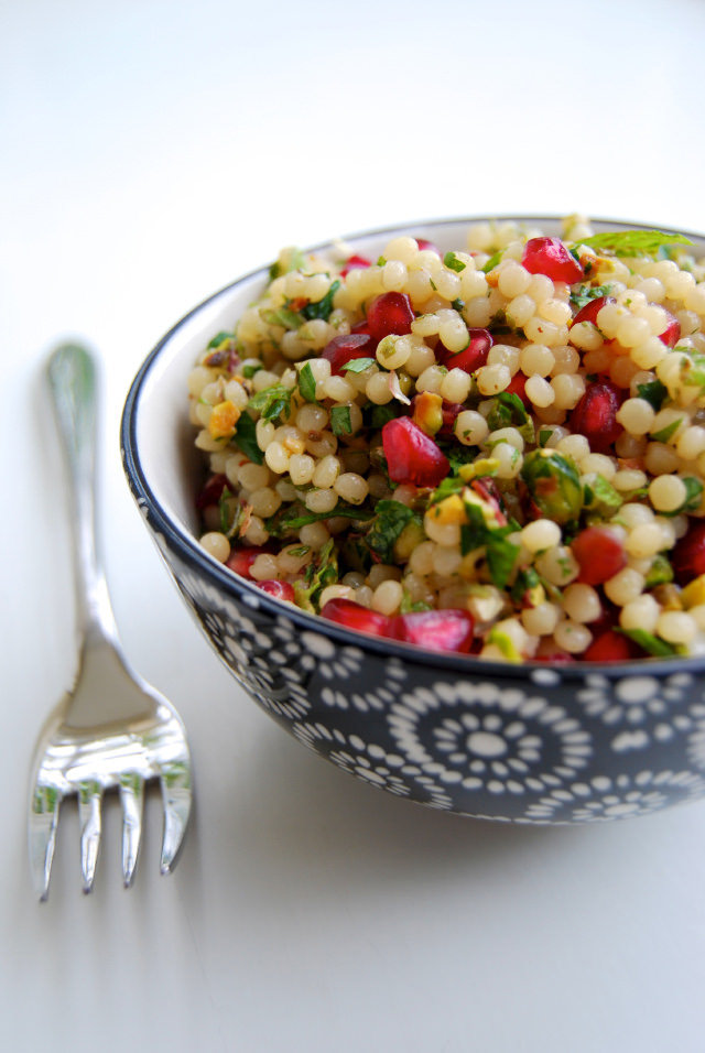 Giant (Israeli) Couscous with Pomegranate & Pistachios #couscous #pomegranate #pistachio