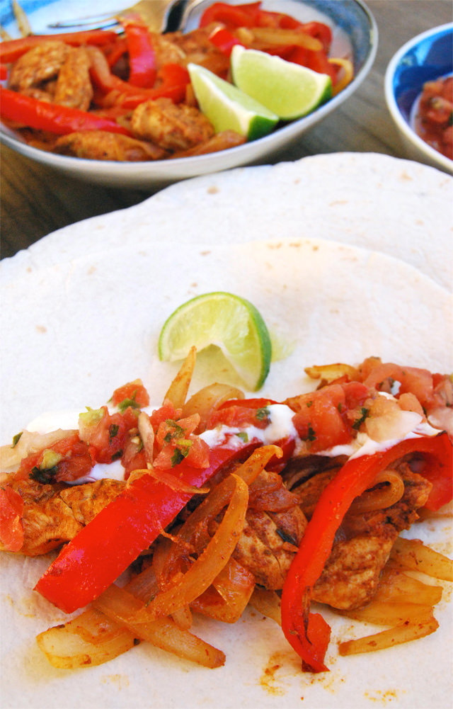 Homemade Chicken Fajitas #fajitas #chicken #mexican #weeknight
