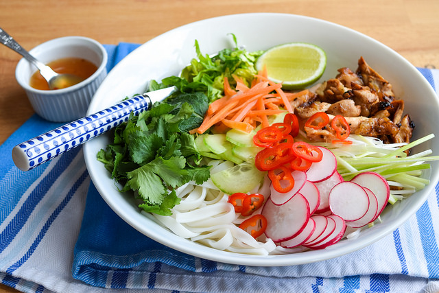 How To Make Griddled Vietnamese Chicken Noodle Bowls