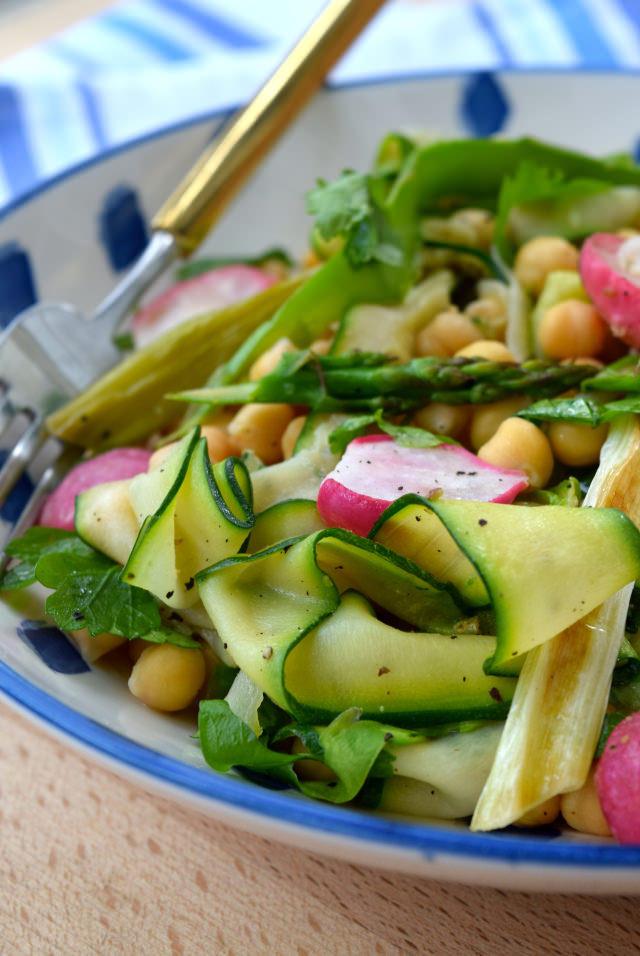 Roasted Spring Vegetable Chickpea Bowl #vegetarian #chickpea #vegetable #bowlfood