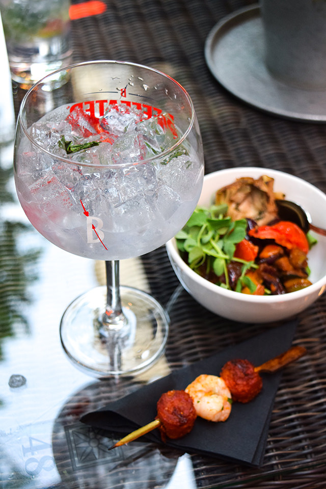 Chilli and Basil Gin and Tonic at The Royal Horseguards Hotel's Secret Herb Garden #gin #tonic #g&t #gingarden #pubgarden #hotel #london
