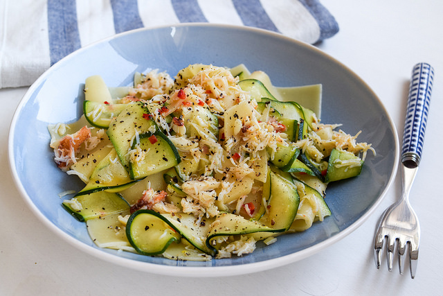 Broken Pasta with Lemony Crab & Courgette #pasta #crab #seafood #courgette #zucchini #seafood #dinnerparty #starter #appetizer