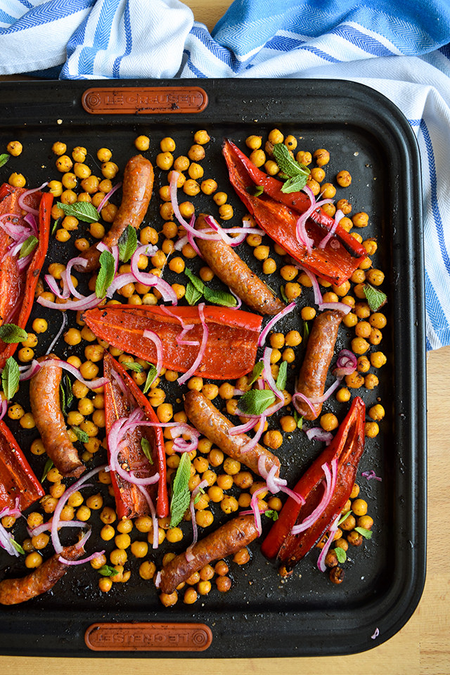 Easy Dinnertime One Pan Merguez with Red Peppers & Crispy Chickpeas #onepan #sheetpan #dinner #lamb #merguez #pepper #chickpeas