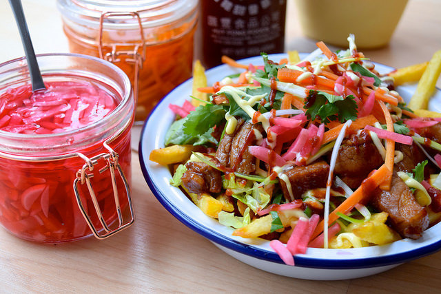 Vietnamese-style Banh Mi Street Fries #vietnamese #fries #banhmi #streetfood
