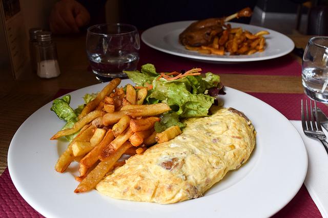 Cepe Omelette in the Dordogne #cepes #mushroom #eggs #omelette #france #platdujour #travel #france #dordogne