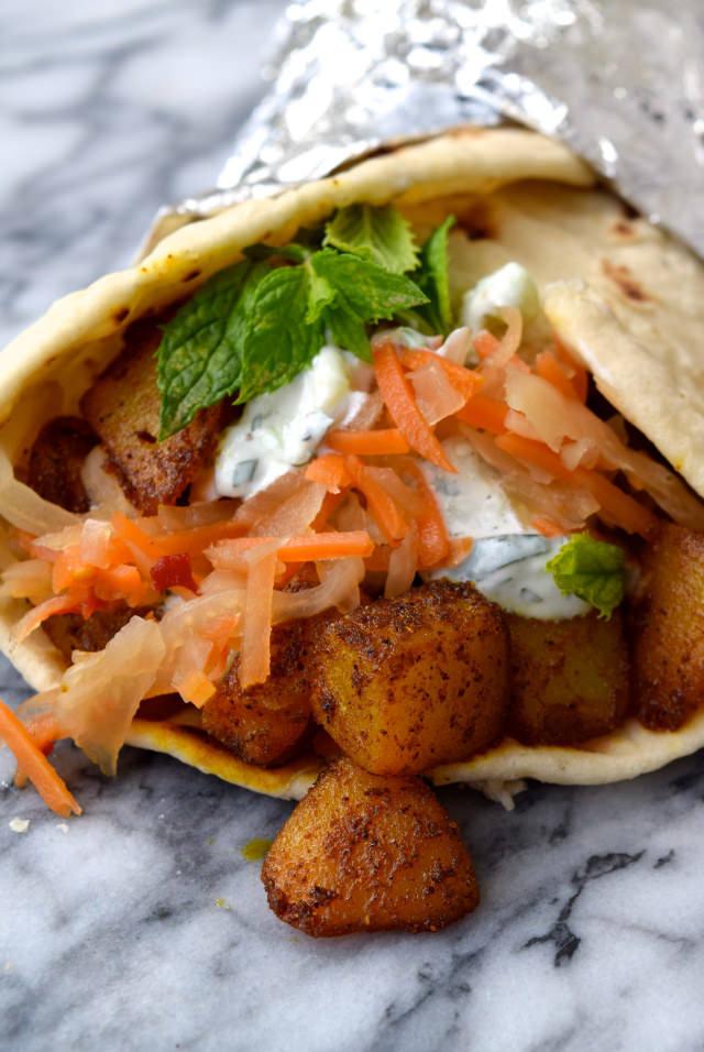 Indian Spiced Potato Wraps with Easy Raita & Spicy Slaw #indian #potato #wraps #streetfood #raita #meatfreemonday #vegetarian