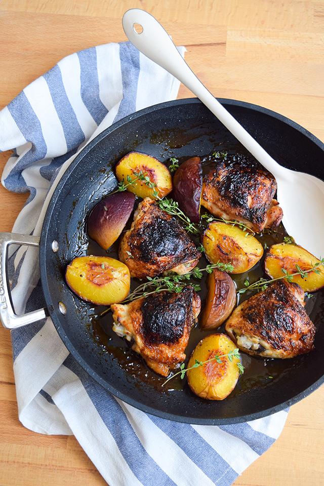 Chicken with Honey, Peaches & Thyme #chicken #honey #peaches #thyme #dinner #summer #onepan #weeknight #lecreuset