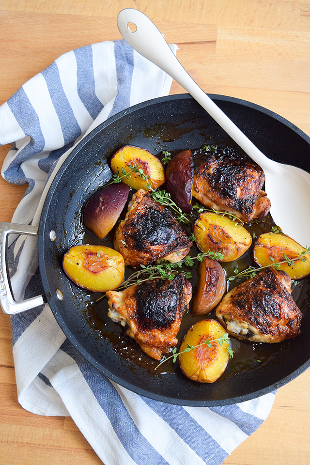 Recipe for roast chicken with peaches, honey and thyme.